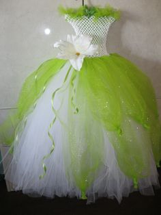 Princess Tiana tutu by Griselda Princess Tiana Costume, Princess Tutu Dresses, Tiana Dress, Little Girl Dresses, Flower Girl Dresses, Robes Disney, Costume Carnaval, Olaf Costume, Tulle Crafts