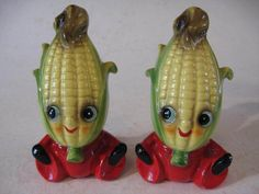 Vintage Anthropomorphic Corn Shakers