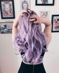 46 Purple Hair Styles That Will Make You Believe In Magic Pastell gewellte lange Frisur # pastelhaircolor Entdecken Sie trendige lila Haarfarbe Ideen. Light Purple Hair Dye, Hair Color Purple, Hair Dye Colors, Cool Hair Color, Pastel Purple Hair, Long Purple Hair, Pink Hair, Purple Hair Dyes, Dyed Hair Pastel