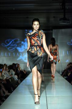 Fashion 2020, Runway Fashion, Fashion Art, Fashion Design, Butterfly Fashion, Butterfly Dress, Dress Design Sketches, Fashion Sketches, Casual Couture