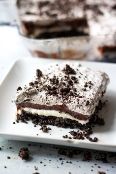 Cookies & Cream Lush is the ULTIMATE no bake dessert. Each layer is bursting with creamy, crunchy cookies & cream flavor