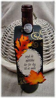 Hobbyboden's Blog: Flaskehængere med efterårstema Wine Bottle Gift, Wine Bottles, Whiskey Bottle, Flaske, Wine Tags, Craft Show Ideas, Cardmaking, Stampin Up, Addiction