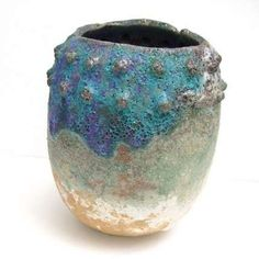 pinch pot with texture pushed out from the inside Ceramic Pinch Pots, Ceramic Cups, Ceramic Art, Ceramic Design, Kids Art Class, Art For Kids, Pottery Patterns, Chula, Natural Forms