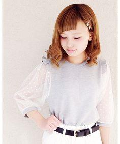 one after another NICE CLAUP(ワンアフターアナザーナイスクラップ)の【ナイスクラップ】肩フリルドットチュール袖Tシャツ(Tシャツ/カットソー) グレー  #fashion