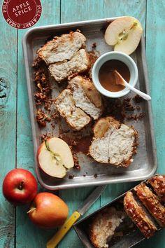 apple cinnamon pull-apart bread..