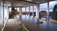 Mesa de reunión Spin de Ueli Biesenkamp