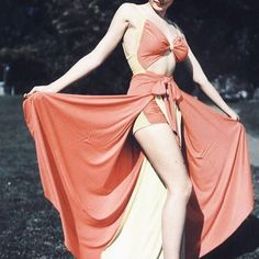 • And suddenly its summer / gimme this outfit ☀️ • #vintagefashion #1940s #40sfashion #swimsuit #vintageswimsuit #vintage #retro #genetierney #playsuit #vintagestyle