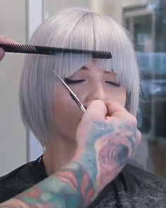 Dry cutting tutorial by Wesdoes Hair Dry cutting tutorial by Wesdoes Hair - Beliebt Kurze Haare Ideen Hair Cutting Videos, Hair Cutting Techniques, Hair Color Techniques, Hair Videos, Cutting Hair, Makeup Techniques, Pictures Of Short Haircuts, Short Pixie Haircuts, Short Hair Cuts