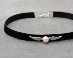 Harry joyería de Potter, gargantilla de terciopelo negro con blanco perla, negro gargantilla, collar Snitch, idea de regalo para adolescentes, collar Chocker