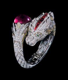 Best Diamond Bracelets : Cartier dragon ruby and diamond ring Gems Jewelry, High Jewelry, Bling Jewelry, Jewelry Accessories, Jewelry Design, Snake Jewelry, Jewelry Ideas, Jewlery, Dragon Bracelet