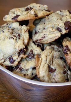 Barefeet In The Kitchen: Chocolate Chip Pudding Cookies. Amazing texture and flavor! Some of the best chocolate chip cookies I have ever had. But will need a little salt next time. Used all all-purpose flour Chocolate Chip Cookie Recipe With Pudding, Chocolate Chip Pudding Cookies, Chocolate Chip Oatmeal, Chocolate Morsels, Pudding Cupcakes, Köstliche Desserts, Delicious Desserts, Dessert Recipes, Galletas Cookies