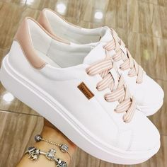 Learn how to clean white sneakers (Click in photo to watch). Girls Sneakers, Girls Shoes, Sneakers Fashion, Fashion Shoes, Shoes Sneakers, Women's Shoes, White Tennis Shoes, White Shoes, White Sneakers