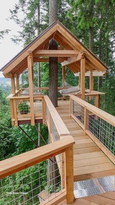 Future House, Treehouse Masters, Treehouse Kids, Backyard Treehouse, Treehouse Cabins, Treehouses For Kids, Treehouse Living, Backyard House, Rustic Backyard