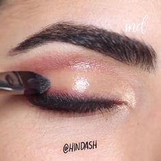 Romantic Glossy Cranberry Eye Makeup Tutorial - - Romantic Glossy Cranberry Eye Makeup Tutorial Eye Looks Amazing eye makeup Makeup Eye Looks, Dramatic Eye Makeup, Eye Makeup Steps, Glossy Makeup, Simple Eye Makeup, Blue Eye Makeup, Smokey Eye Makeup, Eyebrow Makeup, Skin Makeup