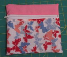 tutorial for a front-zippered bag
