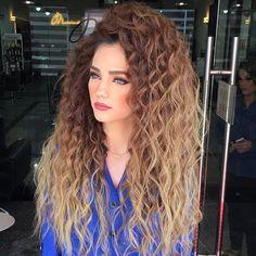 . Perky curls by @ali_salon_mounir . . . . . . . . . . . #hair#curlyhair#hairporn#longhair#worldhair#styles#capellilunghi#sexyhair#cabelo#topuz#blowdry#hairling#pelolargo#ponytail#hairdresser#haircolor#salon#fashion#haare#uzuns#aç#haar#cabelospretos#długiewłosy#hairgo#als#تسريحات#صبغات#مكياج#