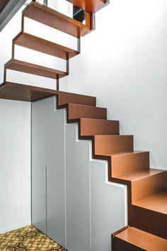 Arquitectura. Rehabilitación de piso, interiorismo, escaleras. Reforma.