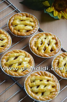 Apple Dessert Recipes, Snack Recipes, Snacks, Resep Pastry, Mini Fruit Tarts, Indonesian Desserts, Asian Cake, Good Pie, Egg Tart