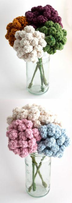 Forever Flowers - idea for crochet flowers! Crochet Home, Love Crochet, Crochet Crafts, Crochet Yarn, Yarn Crafts, Crochet Stitches, Crochet Projects, Knitted Flowers, Crochet Flower Patterns