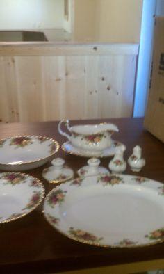 Royal Albert Old Country Roses China set by Hillbillies on Etsy 32d871b2b4