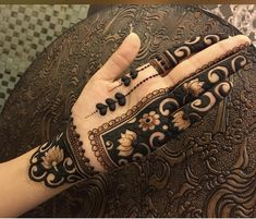 Moreover it is important to pick the Latest and Beautiful Henna Bridal mehndi designs that can give you the best nature of the designs along with Images . Modern Henna Designs, Indian Mehndi Designs, Mehndi Designs 2018, Stylish Mehndi Designs, Mehndi Designs For Girls, Mehndi Design Photos, Mehndi Designs For Fingers, Mehndi Designs For Hands, Henna Tattoo Designs