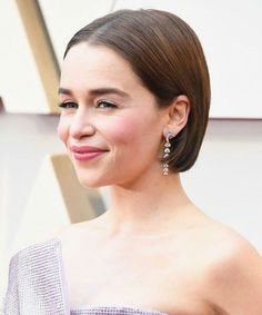 Incredible Short Haircut Styles for Women to Steal from Celebrities Night Out Hairstyles, Prom Hairstyles For Short Hair, Hairstyles Haircuts, Pixie Haircuts, Haircut Styles For Women, Short Haircut Styles, Hair Styles, Very Short Hair, Short Wavy Hair