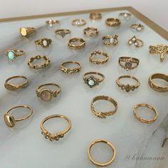εικόνα ανακαλύφθηκε από 𝚉𝙾𝙴. Ανακάλυψε (και αποθήκευσε!) τις δικές σου εικόνες και βίντεο στο We Heart It Cute Jewelry, Jewelry Rings, Jewelry Accessories, Fashion Accessories, Fashion Jewelry, Hippie Jewelry, Bohemian Jewellery, Funky Jewelry, Bohemian Rings