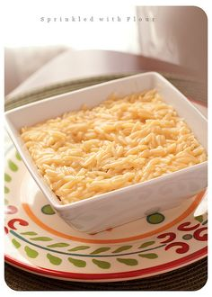 Easy Cheesy Orzo - This is truly a comfort food! A nice little twist on Mac 'n Cheese. Orzo is my favorite pasta. This is a full meal as far as I'm concerned yet a GREAT side when you have company. Orzo Recipes, Side Dish Recipes, Cooking Recipes, Side Dishes, Cheesy Recipes, Main Dishes, Chicken Recipes, Cheesy Orzo, Good Food