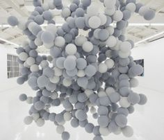 Daniel Arsham, Pixel Cloud (2010)