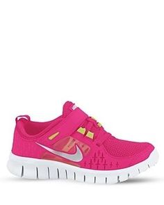 HOT PINK NIKE. Yes, I want them!