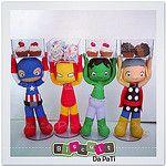 Vingadores porta doces ♡♡♡ Peças que amei fazer,  para enfeite de mesa com 20cm de altura  (sem as caixinhas).  #vingadores #avengers #capitaoamerica #homemdeferro #hulk #thor #enfeitedemesa #portadoce #portabala #superherois #superhero #capitainamerica # por Biscuit da Pati