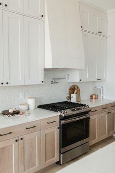 Home Decor Bedroom .Home Decor Bedroom Home Decor Kitchen, Home Decor Bedroom, Kitchen Interior, Home Kitchens, Bedroom Table, Design Kitchen, Two Tone Kitchen Cabinets, Kitchen Cabinet Colors, Two Toned Cabinets