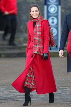 Kate Middleton, ever appropriately-dressed, pulled out a festive look to celebrate the holiday season. Tap for details.