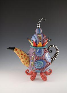 crazy color ideas for a mad hatter tea party Pottery Teapots, Teapots And Cups, Ceramic Teapots, Porcelain Ceramics, Ceramic Pottery, Ceramic Art, Teacups, Porcelain Dinnerware, Painted Porcelain