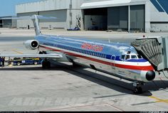 McDonnell Douglas MD-82 (DC-9-82) - American Airlines