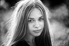 Mălina in Black and White Pencil Portrait, Natural Light, Amazing Art, Natural Beauty, Black And White, Drawings, Nature, Bucket, Portraits