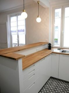 There is no question that designing a new kitchen layout for a large kitchen is much easier than for a small kitchen. A large kitchen provides a designer with adequate space to incorporate many convenient kitchen accessories such as wall ovens, raised. Kitchen Room Design, Best Kitchen Designs, Modern Kitchen Design, Kitchen Layout, Home Decor Kitchen, Rustic Kitchen, Kitchen Interior, Home Kitchens, Kitchen Small