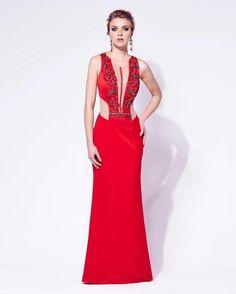 Todo poder do red dress para fechar com chave de ouro a sexta…