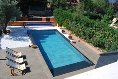 Interior piscina con porcelánico