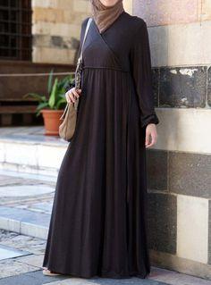 Hijab Fashion 2016/2017: SHUKR USA | Faux Wrap Abaya  Hijab Fashion 2016/2017: Sélection de looks tendances spécial voilées Look Descreption SHUKR USA | Faux Wrap Abaya