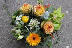 LesFleurs.ch (@lesfleursch) | Twitter Floral Wreath, Creations, Wreaths, Twitter, Home Decor, Florists, Decoration Home, Room Decor, Bouquet