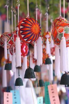 たくさんの手鞠  wind-chime with temari balls