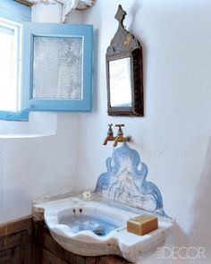 Greece Travel Inspiration - Artist Holly Lueders bathroom in Greek island Patmos summer house, designed by herself Home Interior Design, Interior And Exterior, Interior Decorating, Style Oriental, Eclectic Bathroom, Scandinavian Bathroom, Greek House, Deco Boheme, Beautiful Bathrooms