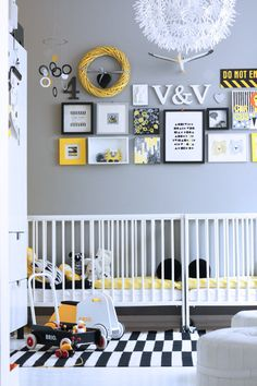Yellow, gray, black and white White Houses, Baby Room Decor, Kidsroom, New Room, Room Inspiration, Bunt, Toddler Bed, New Homes, Nursery