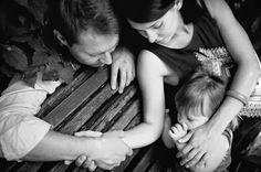 """Naomi Aldort """"Sobrevivir a los dos años""""  Vía: The Authentic Parenting Site fotografía: Evgeniya Semenova http://unadelosantiguosninos.blogspot.com.es/2014/01/sobrevivir-los-dos-anos-naomi-aldort.html"""