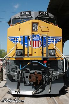 There's been some grumbling among railfans that the unit is not all that. Canadian Pacific Railway, Union Pacific Railroad, Buses And Trains, Old Trains, Electric Locomotive, Diesel Locomotive, Railroad Pictures, Rail Transport, Milwaukee Road