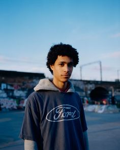 Photographer Pani Paul spent years with the East London skaters before he won their trust enough to shoot them. Photography Poses For Men, Film Photography, Vintage Photography, Style Skate, Youth Culture, Skate Park, East London, Clothes Horse, New Books