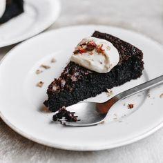 chocolate cake #sweet #sugar #delicious #chocolatecake #chocolate #cozy #share #food #L4L