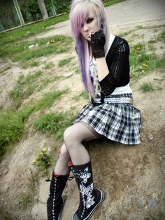scene queen soledad by LaMapazheCabrona on DeviantArt Scene Girl Outfits, Emo Outfits, Scene Girl Clothes, Scene Girl Fashion, Emo Scene Hair, Emo Hair, Cute Emo Girls, Punk Girls, Afro Punk Fashion