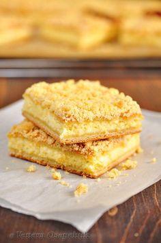 Из той поездки в деревню я ещё привезла рецепт вкусного татарского творожного пирога, которым нас угощали. Это дрожжевой пирог, где тонкое мягкое тесто, много…